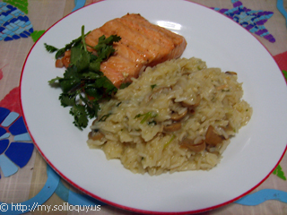 Risotto with grilled salmon